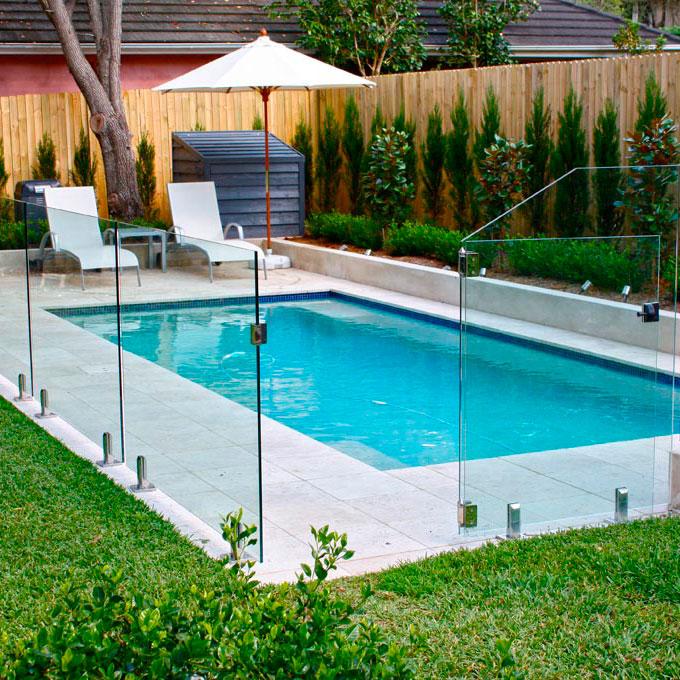 Выбор стеклянного ограждения для бассейна