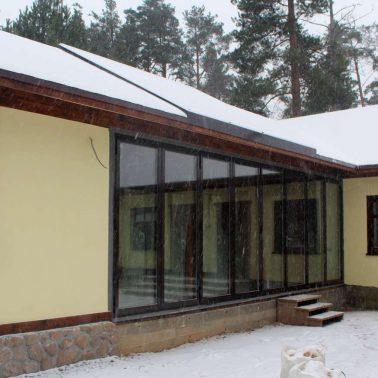 Тёплые складные системы из алюминия в частном доме