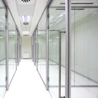 Виды офисных перегородок — преимущества и недостатки