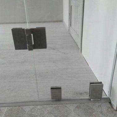 Стеклянные складные двери системы Гармошка