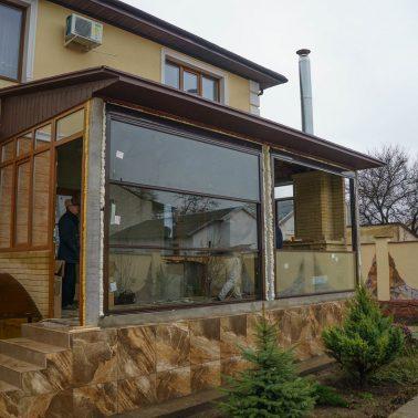 Вертикально-сдвижная автоматическая система для частного дома АлюмГласс