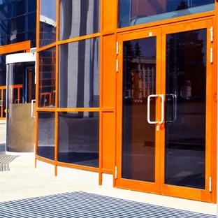 Двери Входные и Офисные из Пластика или Алюминия